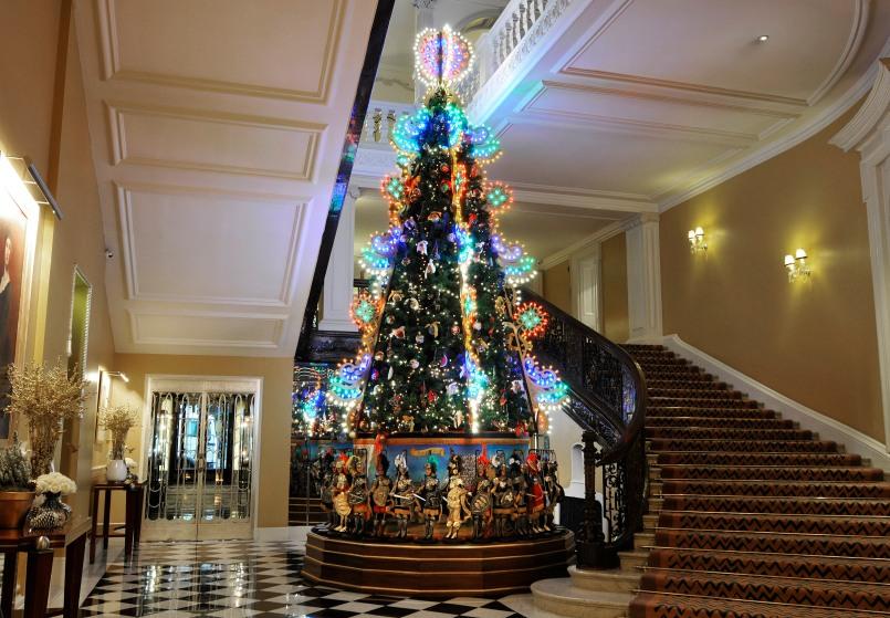cxtmedia_claridges-christmas-2013_1