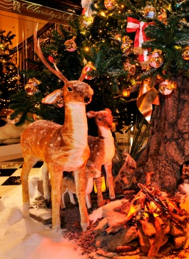 Dolce & Gabbana Xmas Tree at Claridges 2014
